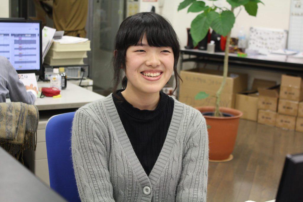 広報・マーケティング職 芦川 桃香