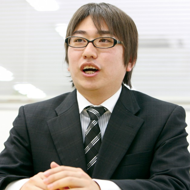 Webシステム事業部 望月翔太